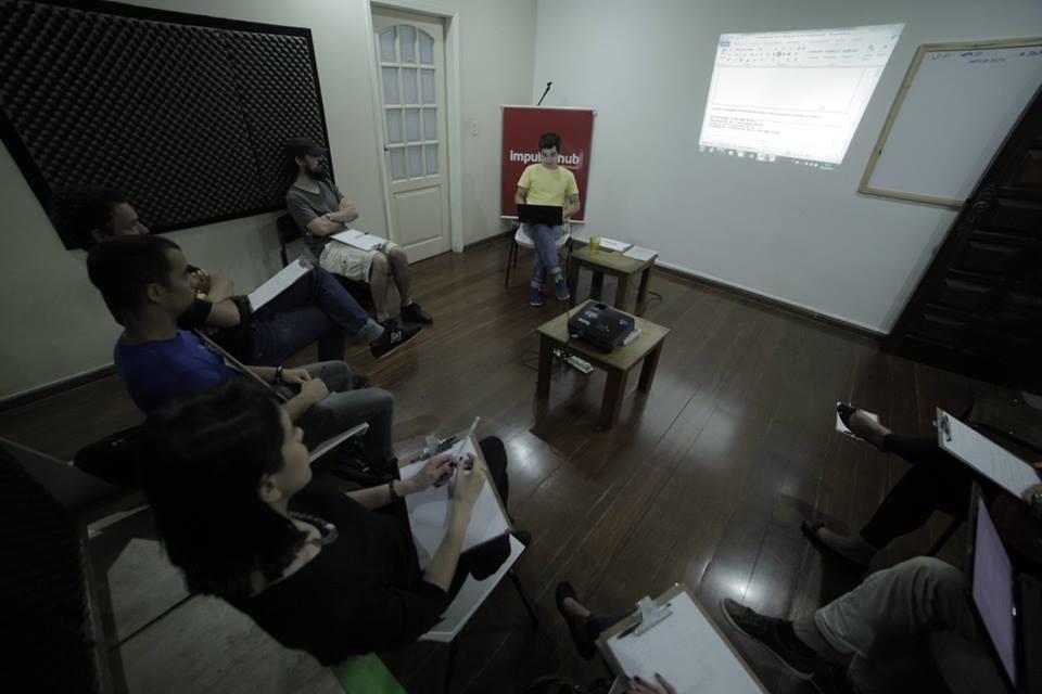 """Cézar Campos ministra o minicurso """"Elaboração e Formatação de Projetos Audiovisuais""""."""